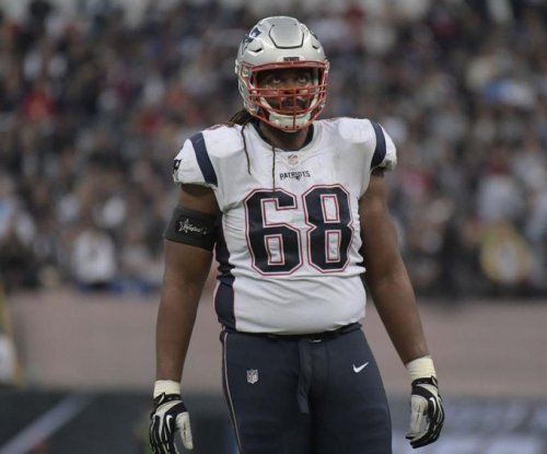 New England Patriots bring back OT LaAdrian Waddle