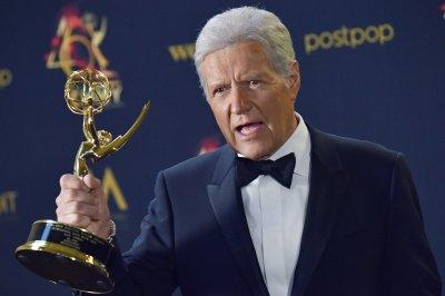 'Y&R,' Alex Trebek, Valerie Bertinelli win Daytime Emmys