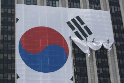 Analyst: Populism undermining democracy, Korean unification