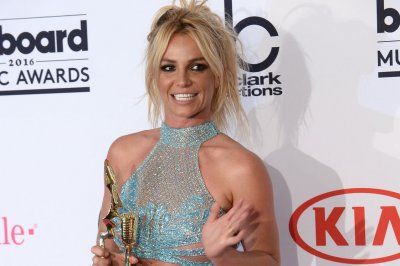 Britney Spears shares old photo with Justin Timberlake on Instagram