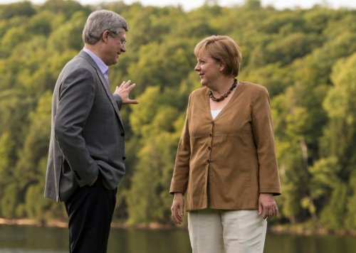 Canadian PM, Germany's Merkel in talks