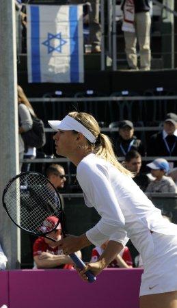 Sharapova takes Amelia Island title