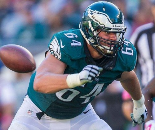Seattle Seahawks add OL Matt Tobin, draft pick in trade with Philadelphia Eagles