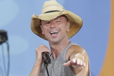 Kenny Chesney celebrates fans in 'We Do' music video