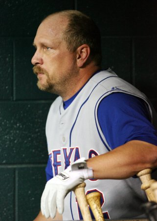 Nationals cut Matt Stairs