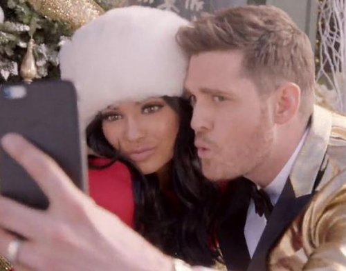 Kylie Jenner, Michael Buble team up for holiday selfie