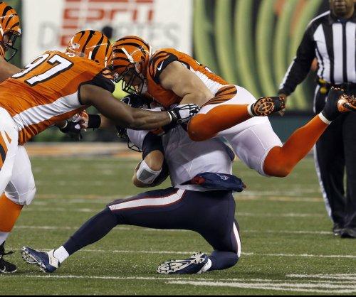 Cincinnati Bengals release LB A.J. Hawk