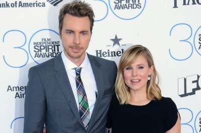 Dax Shepard celebrates family on 12th year of sobriety