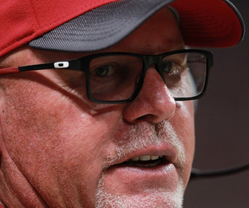 Arizona Cardinals' Bruce Arians (chest) released from hospital