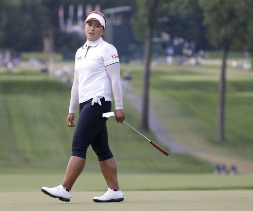Amy Yang leads by four at LPGA Thailand as play suspended