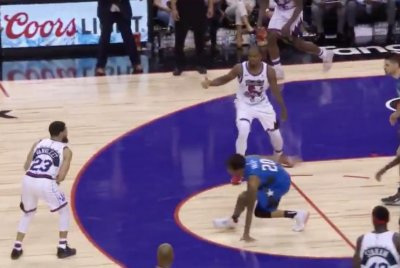Raptors' Fred VanVleet sends Magic's Markelle Fultz flying with crossover