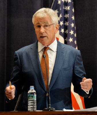 Hagel urges unity at Gulf Arab states conference