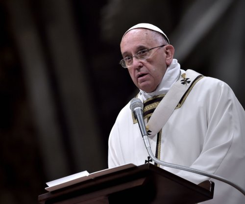 Pope Francis calls mass killing in Armenia 'genocide'