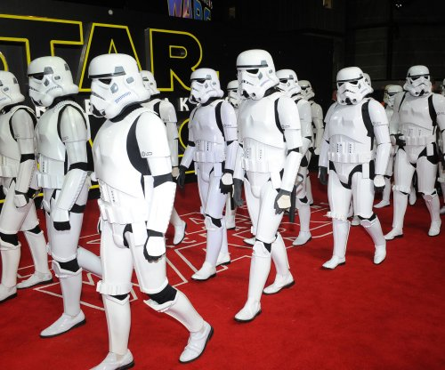 'Star Wars 8' release date moved to Christmas 2017