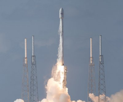 SpaceX prepares for Friday launch and landing attempt