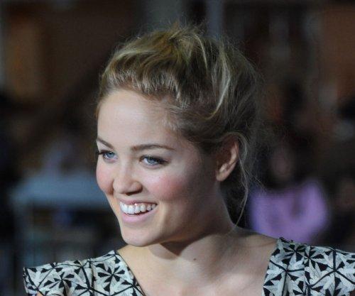 'Parenthood' star Erika Christensen welcomes daughter