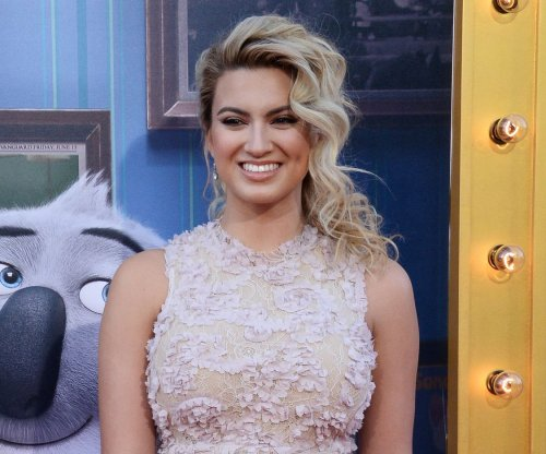 Tori Kelly marries German basketball player Andre Murillo