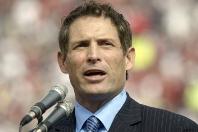 Steve Young: Terrell Owens' Hall snub could cause permanent damage