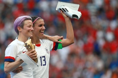 U.S. women's soccer team plans five-game World Cup victory tour