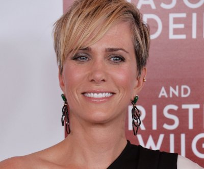 'Bless the Harts': Fox renews Kristen Wiig series for Season 2