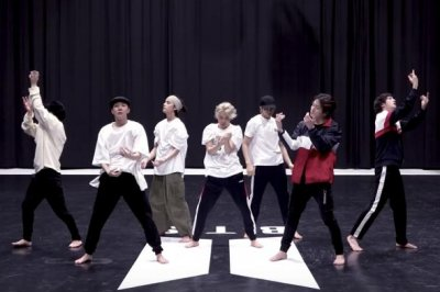 BTS performs 'Black Swan' choreography in dance practice video