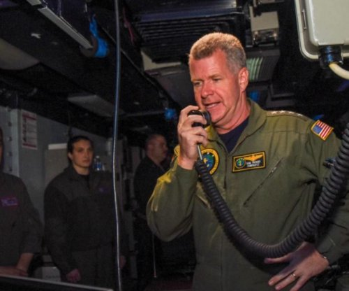 U.S. Pacific Fleet chief visits USS Ronald Reagan while at sea