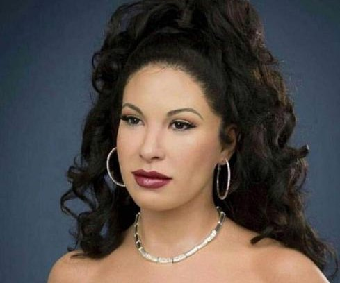 Selena Quintanilla wax figure unveiled at Madame Tussauds