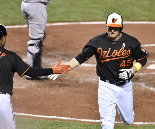 Mark Trumbo supplies offense with 42nd HR in Baltimore Orioles' 1-0 win
