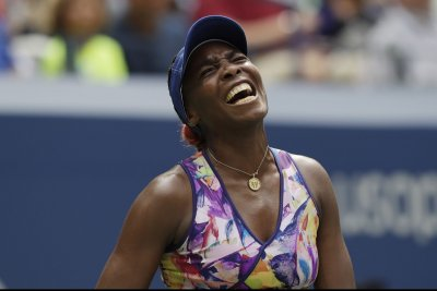 Venus Williams rallies to defeat Jelena Jankovic at Indian Wells