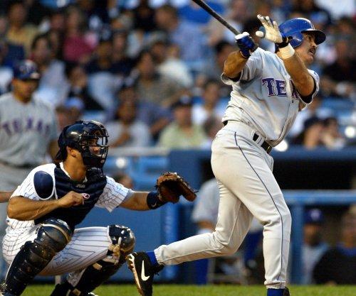 Rafael Palmeiro, 53, agrees to pro baseball deal