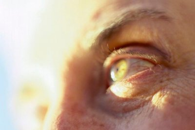 Adding calcium to diet won't raise risk of eye disease, study says