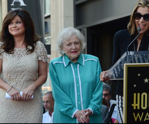 Betty White gets a flash mob for her 93rd birthday
