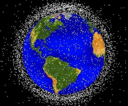 Patent for Navy small space debris tracker
