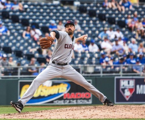 Jason Kipnis, Indians bullpen lead Cleveland past Kansas City Royals