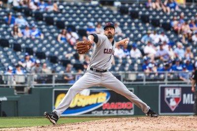 Jason Kipnis, Indians bullpen lead Cleveland past Kansas City Royals