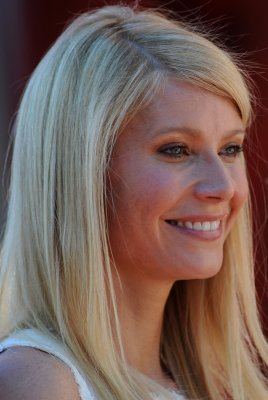 Paltrow, Levi to sing at Oscars ceremony
