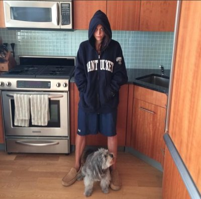 Bethenny Frankel sports men's clothing in response to scandal