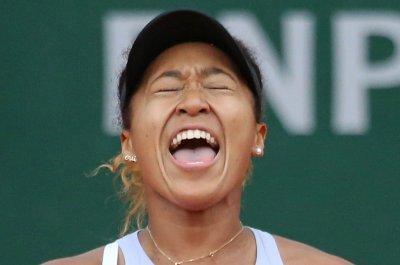 French Open: Serena Williams dominates, Naomi Osaka survives