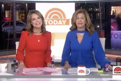 Savannah Guthrie returns to 'Today' after eye surgery