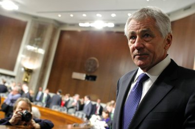 Senate approves Hagel for defense