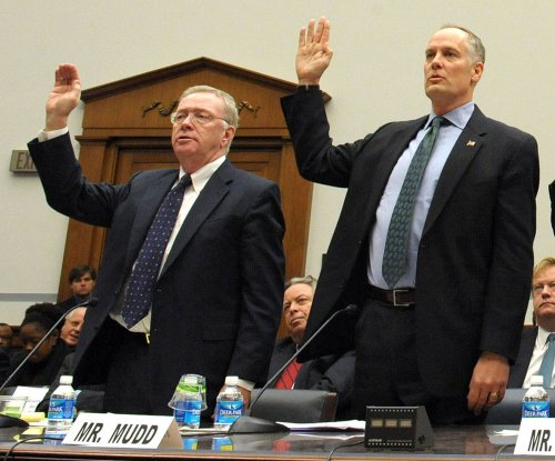 Senate Banking Committee approves bill to shutter Fannie and Freddie