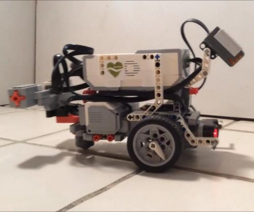This robot has the mind of a worm