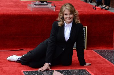 Soap legend Deidre Hall gets star on Hollywood Walk of Fame
