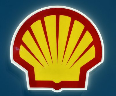 Shell cuts more than 2,000 jobs