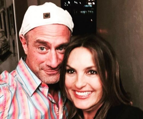 Mariska Hargitay reunites with Christopher Meloni for his birthday