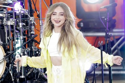 Sabrina Carpenter tells her side of the story in song 'Skin'
