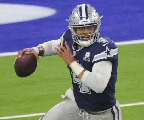Cowboys QB Dak Prescott strains throwing shoulder muscle