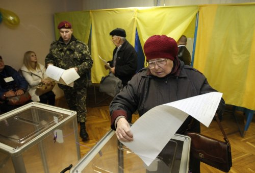 U.S., NATO applaud Ukraine for holding successful parliamentary elections