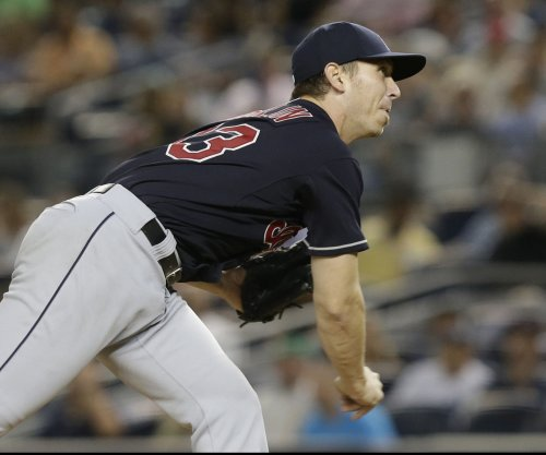 Josh Tomlin finishes strong as Cleveland Indians top Boston Red Sox