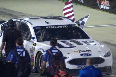 Brad Keselowski rules Kentucky Speedway, wins Quaker State 400